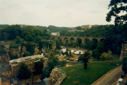 how to go to luxembourg from brussels
